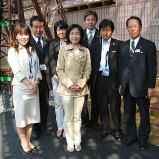 長久手日本館広報チームと記念撮影。
