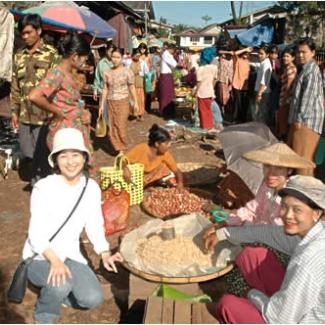 ヤンゴンの朝市