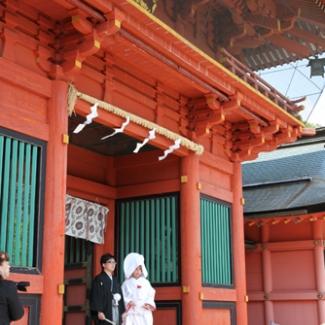 富士浅間神社。初々しい婚礼