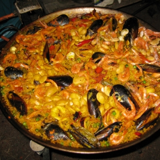 Outdoor party at house of Mine's friend Homeowner's special seafood paella