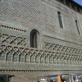 西ゴート族、ローマ時代、イスラム教、カトリック それぞれの文化が融合する教会の建物