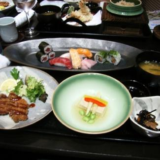 サラゴサ博 日本館のレストランにて