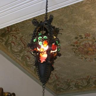 グェルの間 打ち物のランプ