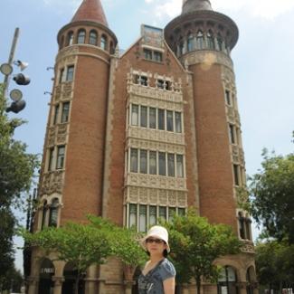 バルセロナ市内のガウディ建築②-(1)
