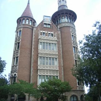 バルセロナ市内のガウディ建築②-(2)